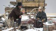 Vidéo : Tommy Lee Jones face à Hilary Swank dans l'Ouest sauvage