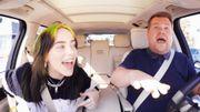 Billie Eilish s'amuse dans le Carpool Karaoke, fait visiter sa maison et présente son araignée domestique