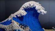 "Il reconstitue ""la grande vague"" d'Hokusai avec 50.000 briques Lego"