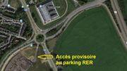 La situation aujourd'hui, avec l'accès provisoire au parking RER depuis le rond-point de la sortie d'autoroute.