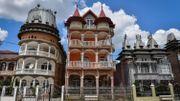 """Les """"palais roms"""", un phenomène architectural qui déconcerte en Roumanie"""