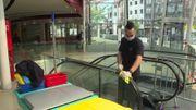 Pour tenter d'assurer la sécurité, la galerie a pris de nombreuses mesures: contrôle des accès, gel désinfectant, nettoyage plus régulier des communs.