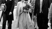 La Reine Elisabeth assiste à un concert au pavillon allemand, accompagnée de l'ambassadeur allemand, le 15 juillet