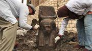 Rare découverte d'un buste de Ramsès II en Egypte