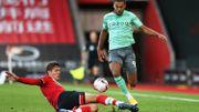 Premier League: Everton, battu à Southampton, marque le pas