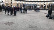 Les derniers manifestants en partance pour le cortège, vers 11h30