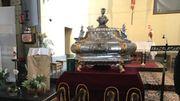 La châsse est bénie dans l'église de Clabecq et puis de Tubize avant de retourner à Lembeek