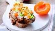 Recette : tartine gourmande au chèvre frais et aux abricots