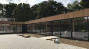 La nouvelle école uccloise a été construite en un temps record : 8 mois. Elle est toujours un peu en travaux pour aménager les finitions