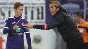 """Jonas De Roeck, alias """"coach 100%"""": """"Du caractère et de l'efficacité, c'est nécessaire dans le foot moderne"""""""