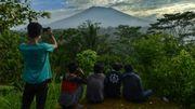 A Bali, 34.000 personnes fuient les alentours d'un volcan actif