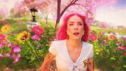 Halsey danse dans un univers virtuel et coloré pour son clip avec Marshmello
