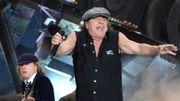 Sortie du nouvel AC/DC à The Rock, bourgade australienne