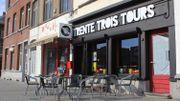 """Le café """"Trente-trois tours"""", place communale"""