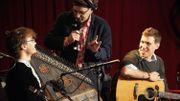 LIVE | Les bonnes ondes de Kaméléon, jeune groupe belge aux identités multiples [Vidéos]