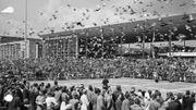 Fête nationale tchécoslovaque avec colombes, le 24 juillet