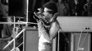 """A voir: Jimi Hendrix interprète """"Foxey Lady"""" à Maui"""