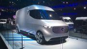 Avec le Vision Van, Mercedez-Benz expérimente la livraison à domicile de demain.