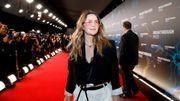 Drew Barrymore parle de poils du nez, d'acné adulte et du pouvoir du maquillage sur Instagram