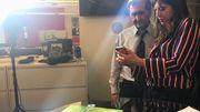Pete Souza et Sonia Dridi, correspondante de la RTBF à Washington.