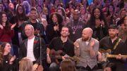 Live TV hyper chaleureux de Coldplay au milieu du public