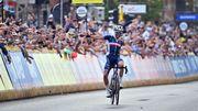 Mondiaux de cyclisme: un fantastique Julian Alaphilippe mate les Belges et reconduit son titre à Louvain