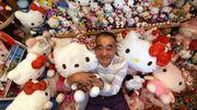 Dans la série des collectionneurs fous: cet ex-policier est fan d'Hello Kitty!
