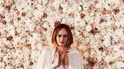 Adele peut désormais célébrer des mariages et elle a posté une photo de sa tenue de cérémonie