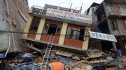Les bâtiments sont fragiles et ne répondent pas aux normes requises face au risque sismique élevé.