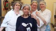 Ce sont des stagiaires (une douzaine actuellement) en préformation dans les métiers de la cuisine et de la conserverie qui se chargent de la préparation des conserves