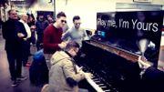 Let it Play ... Un pianiste Italien fait vibrer l'aéroport de Charleroi!