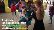Au Kenya, Léonore Baulac offre des cours de danse classique aux enfants des bidonvilles