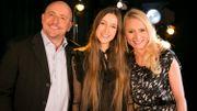 Maureen aux côtés de Jeans-Louis Lahaye et Sennek lors de la dernière édition de l'Eurovision en 2018.