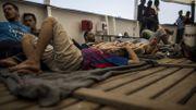 Libye: des dizaines de migrants forcés de débarquer d'un cargo