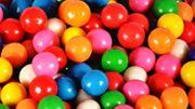 En 1978, Philippe Geluck raconte la fabrication du chewing-gum