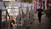 Coronavirus : à Amsterdam, des petites serres séparées pour pouvoir manger au restaurant