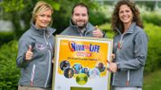 Le Disque d'Or de Viva for Life remis en main propre dans le cube