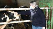 """Véronique Janssens et douze autres fermières namuroises ont lancé il y a un an le groupe """"Agricultrices 4.0"""" dans le cadre des cinquante ans du mouvement féminin """"l'Union wallonne des agricultrices""""."""
