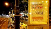 """""""La vie avant le profit"""": Act for climate justice a recouvert les panneaux publicitaires dans six villes"""