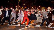 """[Zapping 21] Une incroyable chorégraphie de """"Thriller"""" dans les rues de New York"""