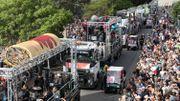 """Plus de 150 000 personnes sur la """"Highway to Hell"""" pour Bon Scott"""