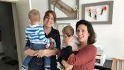 Hélène Jacobs et Sophie De Waegeneer ont retrouvé le sourire. Elles ont trouvé une nouvelle maison d'accueil pour leur enfant