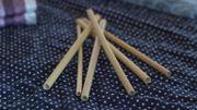 Une mini-entreprise d'élèves belges propose des pailles en bambou réutilisables
