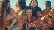Ode au toucher dans un clip chargé en connotations sexuelles pour Harry Styles
