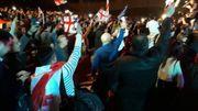 L'entrée de Saakashvili au palais des congrés, saluée par ses partisans (image extraite d'une reportage de la chaîne Restavi2)