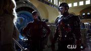 """""""Legends of Tomorrow"""" : première bande annonce du spin-off d'""""Arrow"""" et """"Flash"""""""