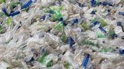 En Equateur, des bouteilles en plastique contre des tickets de bus