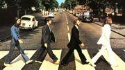 Le premier contrat signé des Beatles aux enchères à Londres