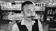 Bert Kruismans sert le café au Fou Rire