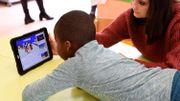 Tablettes et jeux vidéos: les responsables du mal de dos chez l'enfant ?